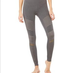 High-Waist Moro Legging